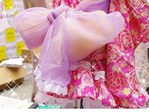 20110525-4 娘たちを熱狂させそうな、子ども用のフリフリ浴衣