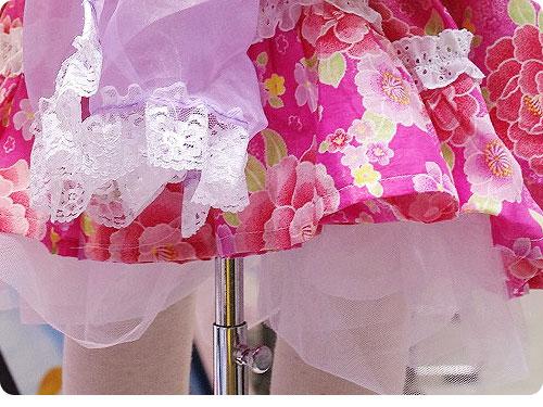 20110525-9 娘たちを熱狂させそうな、子ども用のフリフリ浴衣ドレス