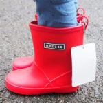 雨の日の登園に子どもの軽い長靴を2,000円以内で探す
