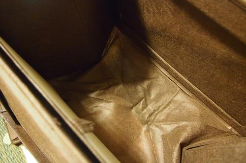 P4302515 カラーボックスに扉付きのボックスを採用