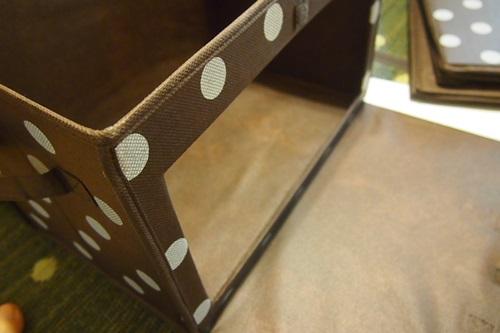 P4302517 カラーボックスに扉付きのボックスを採用