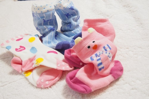 P6056156 ほのぼの♪1歳児がかわいいから履きたくなる靴下