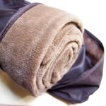 朝ベッドから出られなくなる毛布を買って夫が使った感想(マイクロファイバー毛布)