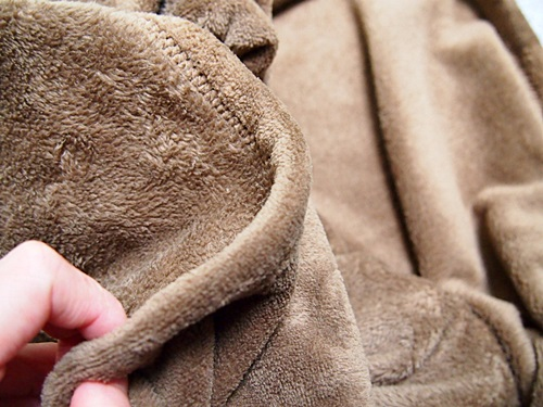 PB229700 朝ベッドから出られなく毛布を買って夫が使った感想