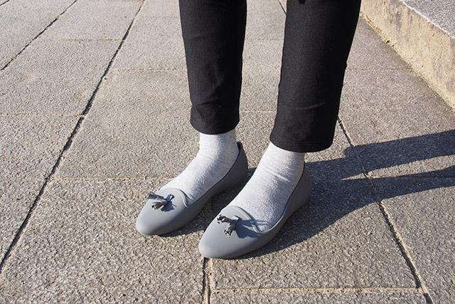 crocs eve embellished flat w 靴下正面