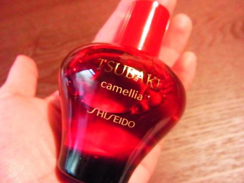 資生堂TUBAKIの椿オイル、美艶油
